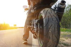 Biker benötigen ein gewisses Motorradzubehör.
