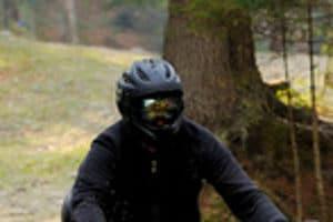 Der Motorradhelm im Test: Welcher Kopfschutz wird Testsieger?