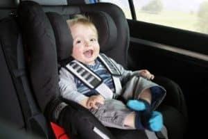 So sind auch die Kleinsten sicher im Auto unterwegs: der Kindersitz-Test gibt Rat.