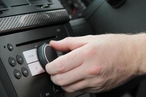 Welches Radio wird zu Ihrem persönlichen Autoradio-Testsieger?