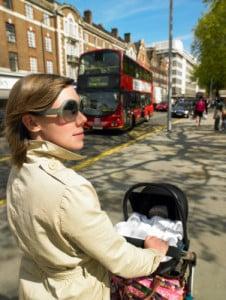 Ein Fahrradanhänger fürs Baby lässt sich oft auch zum Buggy umfunktionieren.