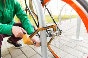 Wie schneidet das Faltschloss fürs Fahrrad ab?