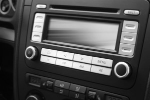 In einem Praxis-Test können FM-Transmitter durchaus Vorteile gegenüber einem Radio aufzeigen.