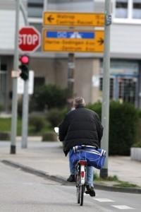 In Ihrem Fahrradlampen-Test sollten Sie verschiedenen Arten der Fahrradbeleuchtung einem Vergleich unterziehen.