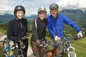 Mountainbikes für Kinder garantieren viel Spaß in den Bergen mit der ganzen Familie.