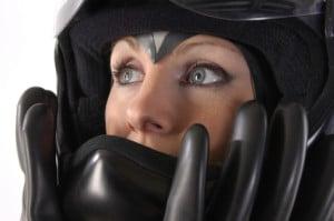 Neben der Helmpflicht sind Motorradfahrer gehalten, durch geeignete Kleidung für zusätzlichen Schutz zu sorgen.