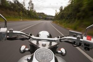 Der Nierengurt im Test ist ein Zusatzschutz für den Motorradfahrer.
