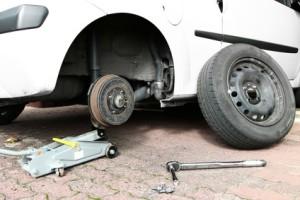 Regelmäßiger Pluspunkt von Ganzjahresreifen in einem Testbericht: Der alljährliche Reifenwechsel entfällt.