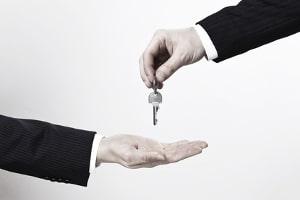 Den besten Alkoholtester zu besitzen, hilft nicht, wenn der Fahrer ihn ignoriert. Wird er erwischt, muss er den Autoschlüssel abgeben.