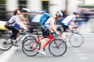 Im Zuge Ihres Fahrradtests müssen die Kandidaten auch beweisen, dass die Bremsen belastbar und funktionstüchtig sind.