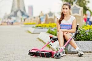 Ab durch die City: Wenn Sie Roller in Ihrem Test berücksichtigen, die motorisiert sind, spielt das Gewicht eine große Rolle.