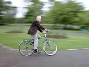 Radbrille: Ein Praxis-Test kann zeigen, wie gut sie vor Sichtbehinderung durch hohen Fahrtwind schützt.