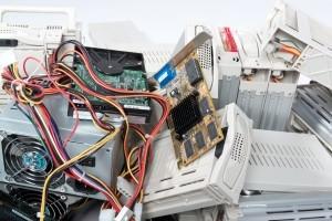 Laut Test verbindet ein Autoradio mit integriertem Navi noch weit mehr Geräte in einem.