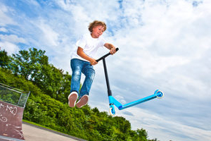 Eine echte Stunt-Scooter-Empfehlung: Unser Test verrät, bei welchem Modell sich der Kauf lohnt.