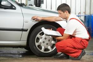 Der Drehmomentschlüssel für das Auto: Nach einem Test wird ersichtlich, ob Autoreifen damit richtig angezogen werden können.