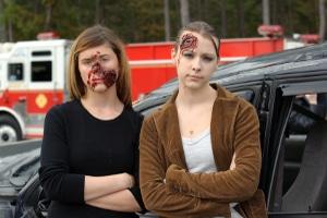 Ein Crash-Test beweist: Rennrad fahren, ohne Helme zu benutzen, kann zu ernsthaften Kopfverletzungen führen.