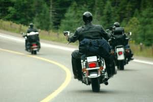 Im Test haben alle Integralhelme das Prüfsiegel, das die Straßenverkehrs-Ordnung verlangt.