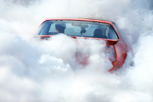 Auch Autofeuerlöscher sollten einem Test unterzogen werden. Hierbei spielt die Füllmenge eine besondere Rolle.