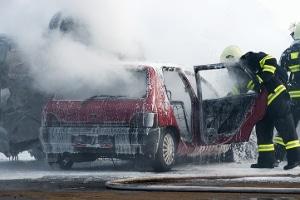 Feuerlöscher aus dem Test sind für kleinere Brände geeignet, für größere ist die Feuerwehr zuständig.