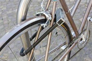 In einem Gepäckträgertaschen-Test für Ihr Fahrrad sollten Sie verschiedene Kriterien beachten.