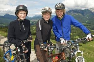 Voraussetzung für den Spaß auf zwei Rädern ist das richtige Fahrradzubehör.