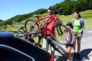 Es gibt auch Fahrradzubehör für den Transport des Fahrrads selbst.