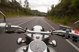 Manches Motorradzubehör ist für den Schutz des Fahrers wichtig.