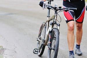 Wie andere Fahrradarten benötigt auch das Mountainbike bestimmtes Zubehör.