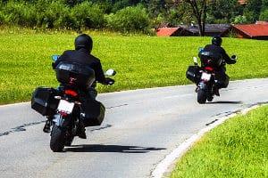 Im Integralhelm-Test wird der sicherste Helmtyp für Motorradfahrer vorgestellt.