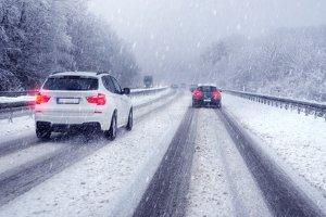Kühlerfrostschutz wie im Test schützt Kühler und Motor im Winter.
