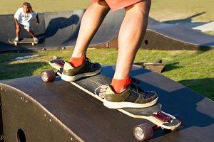 Im Test entspricht jeder Skaterhelm der DIN EN 1078.