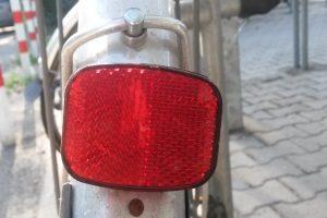 Ob Halogen-Fahrradlampe oder LED: In einem Test sollte der Lux-Wert eine Rolle spielen.