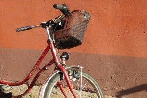 Die richtige Fahrradlampe finden: Ein Test kann wichtige Informationen liefern.