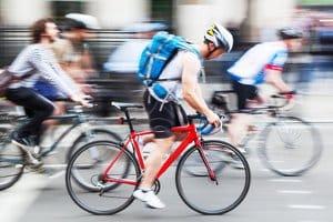 Sie suchen die besten für Ihr Rennrad geeigneten Reifen? In einem Test können Sie unterschiedliche Modelle vergleichen.