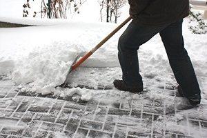Keine Lust zu schuften und auf der Suche nach Ihrer Schneefräse? Den persönlichen Testsieger finden Sie mit unseren Tipps.