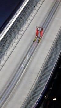 Skispringer brauchen immer die besten Skihelme.