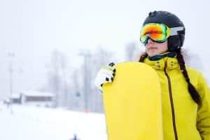 Skihelm kaufen: Unterschiedliche Helme für Skifahrer und Snowboarder gibt es nicht.