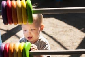 Beste Schwimmflügel für Kleinkinder: Sie können Schwimmflügel für Ihr Kleinkind beim Selbst-Test eigenhändig unter die Lupe nehmen.