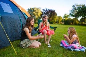Ihr Wunsch-Campingstuhl ist faltbar? Ihr Test wird zeigen, ob er genauso komfortabel ist wie ein Klappstuhl.