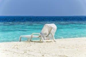 Wer statt der Liege lieber einen Strandkorb hätte, sollte verschiedene Modelle vergleichen.