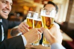 Damit Ihre Feier ein Erfolg wird, sollten Sie einen Bierzeltgarnitur-Test durchführen.