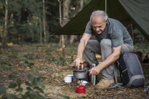 Idealerweise führen Sie vor dem Trip einen eigene kleinen Camping-Kochtopf-Test durch. Wir erklären, worauf zu achten ist.