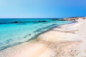 Ein guter Beachvolleyball ist vor Sand und Meer geschützt.