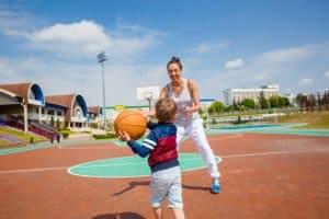 Basketballkorb für Kinder: Beim eigenen Test sollten Sie vor allem auf die Höhenverstellbarkeit achten.