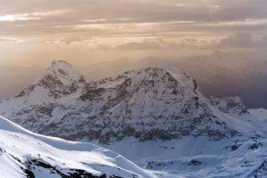 Beste Skihandschuhe: Das Material sollte die Kälte gut abwehren.
