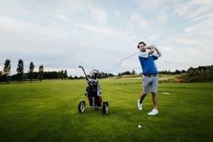 Ein Golfschläger-Vergleich zeigt, welcher Schläger am besten zu Ihnen passt.