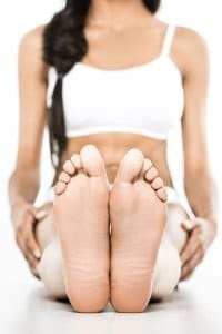 Eine gute Fitnessmatte sollte keine Schadstoffe enthalten – nicht nur wegen des direkten Hautkontakts.