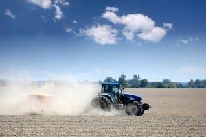 Rasenmäher + Traktor = Rasenmähertraktor? Ein persönlicher Vergleich hilft bei der Auswahl.