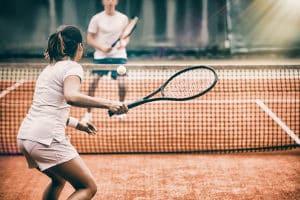 Wie finde ich für mich geeignete Tennisbälle? Ihr persönlicher Testsieger muss zu Ihren spielerischen Fähigkeiten passen.