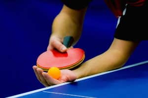 Tischtennisschläger: Ihr persönlicher Testsieger sollte zu Ihrem Spielstil und Ihren Fähigkeiten passen.